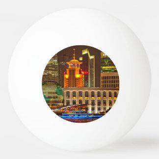 夜の上海 卓球ボール
