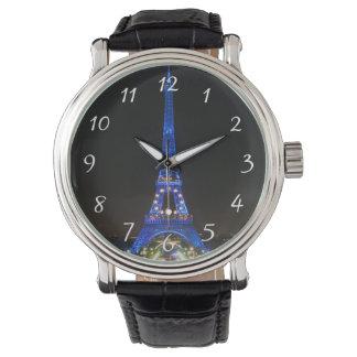 夜の景色のエッフェル塔 腕時計