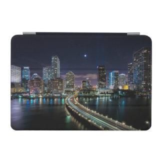 夜の橋が付いているマイアミ都市のスカイライン iPad MINIカバー