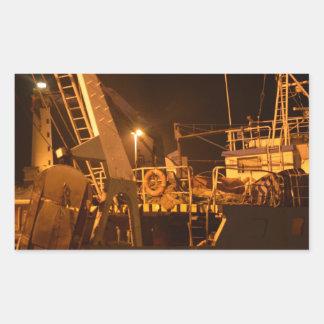 夜の港の漁船 長方形シール