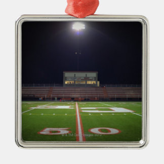 夜の照らされたアメリカン・フットボール分野 メタルオーナメント