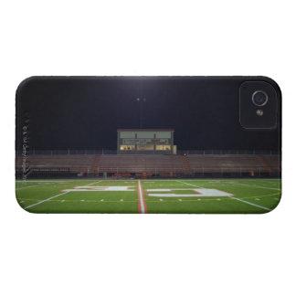 夜の照らされたアメリカン・フットボール分野 Case-Mate iPhone 4 ケース