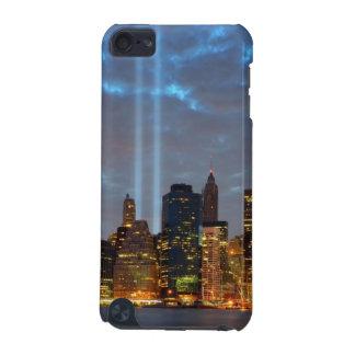 夜の都市のスカイラインの眺め iPod TOUCH 5G ケース
