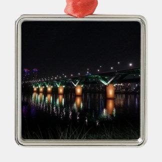 夜のHan川上の橋 メタルオーナメント