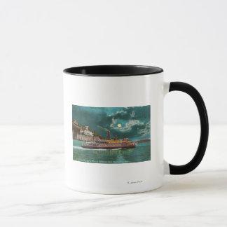 夜のYerba Buenaの島の灯台の眺め マグカップ