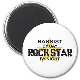 夜までにコントラバス奏者のロックスター マグネット