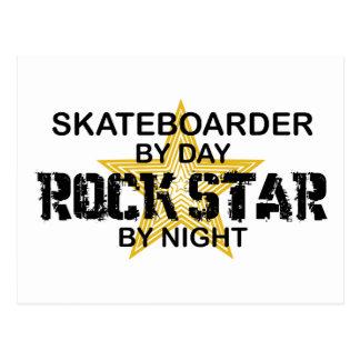 夜までにスケートボーダーのロックスター ポストカード