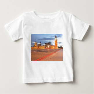 夜までにビッグベンロンドン ベビーTシャツ
