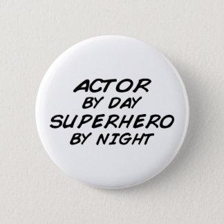 夜までに俳優のスーパーヒーロー 5.7CM 丸型バッジ