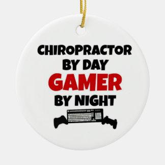 夜までに日のゲーマーによるカイロプラクター セラミックオーナメント