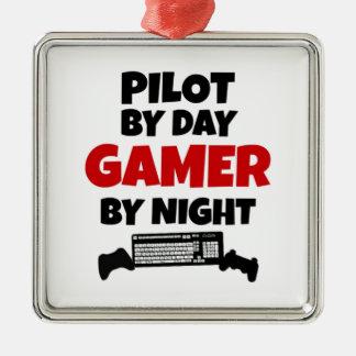 夜までに日のゲーマーによるパイロット メタルオーナメント