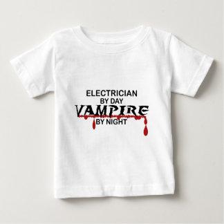 夜までに電気技師の吸血鬼 ベビーTシャツ