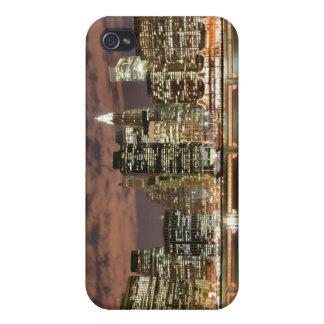 夜ライト、NYCのマンハッタンスカイライン iPhone 4/4Sケース