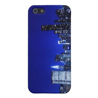 夜ライト、NYCのミッドタウンのスカイライン iPhone 5 COVER