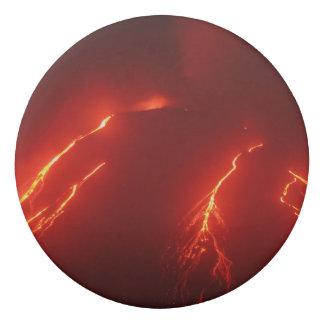 夜噴火の火山景色 消しゴム