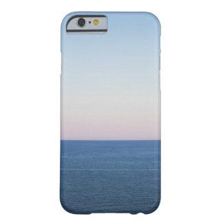 夜明けにオンタリオ湖 BARELY THERE iPhone 6 ケース