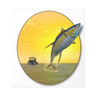 夜明けにスポーツの魚釣り ノートパッド