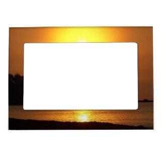 夜明けにリビエラのマヤのカンクンメキシコのカリブ海 マグネットフレーム