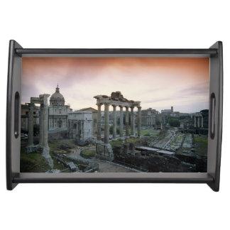 夜明けにローマのフォーラム トレー