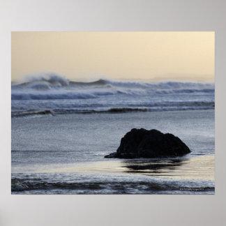 夜明けに海岸線 ポスター