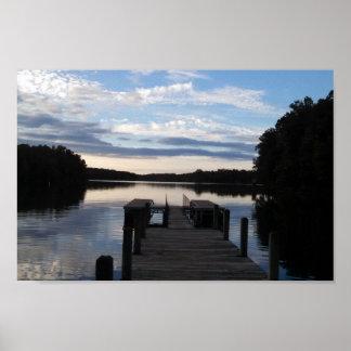 夜明けに湖 ポスター