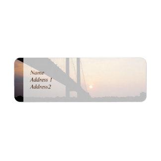 夜明けの保存のVerrazano橋日付 ラベル