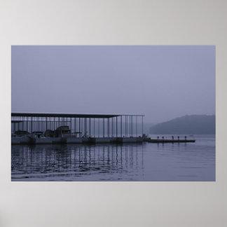 夜明けの前の湖 ポスター