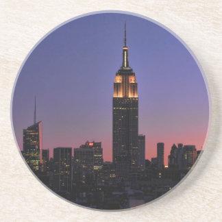 夜明け: エンパイア・ステート・ビルディングはまだピンク03をつけました コースター
