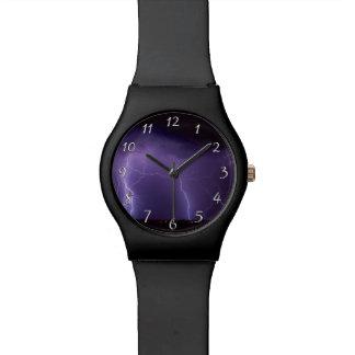 夜砂漠の雷雨の紫色の稲妻 腕時計