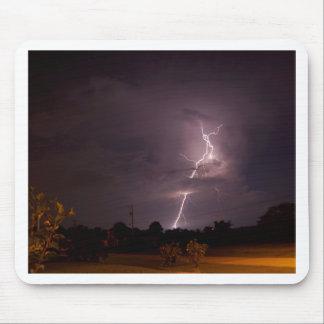 夜稲妻の雨雲 マウスパッド