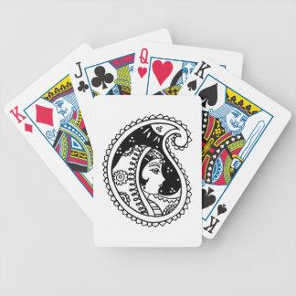 夜空の下の東洋の女性が付いているカードを遊ぶこと バイスクルトランプ