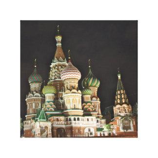夜、モスクワの聖者のベズルのCatherdral キャンバスプリント