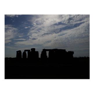 夜StonehengeのスカイラインWilltshireイギリス ポストカード