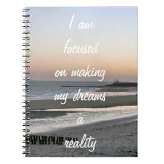 夢についての前向きな断言の刺激 ノートブック