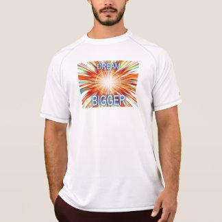 夢のより大きい Tシャツ