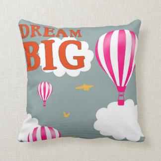 夢の大きい熱気の気球の養樹園の刺激の引用文 クッション