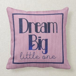 夢の大きく小さい1つのピンクの星の枕 クッション