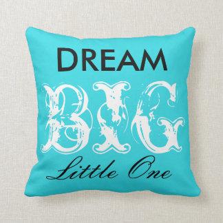 夢の大きく小さい1つの枕(牛プリントと) クッション