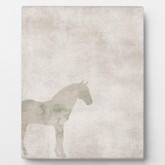 夢の馬: 塵の茶色の水彩画の馬 フォトプラーク