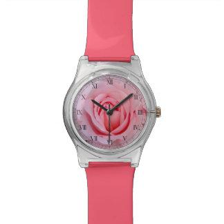 夢みるようなバラの腕時計 腕時計