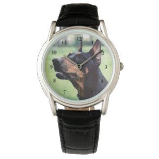 夢みるような(犬)ドーベルマン・ピンシェルの顔の絵画 腕時計