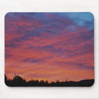 夢を見る星を通した日の出 マウスパッド