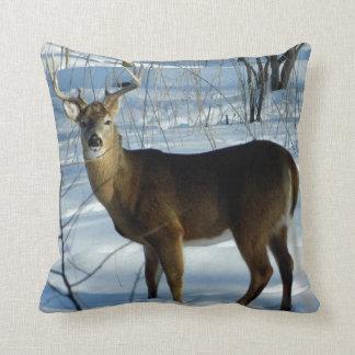 大きいオジロ鹿シカ(冬)の枕 クッション