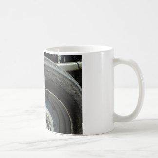 大きいトラクターの車輪 コーヒーマグカップ