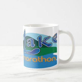 大きい湖の半分のマラソン コーヒーマグカップ