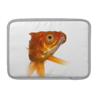 大きい目3を持つ金魚 MacBook スリーブ