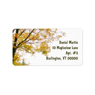大きい秋の木の宛名ラベル ラベル