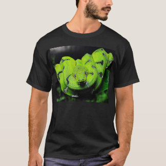 大きい緑のボアのヘビのTシャツ Tシャツ