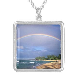 大きい虹のネックレス シルバープレートネックレス
