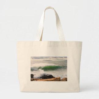 大きい衝突の波の海景のアカディア国立公園 ラージトートバッグ